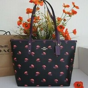 NWT💃 City Zip Tote With Bell Flower Print Black/M
